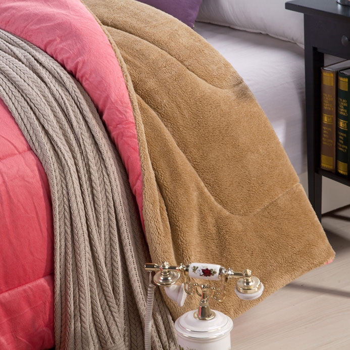 Chăn lông cừu kyoryo hồng 2mx2m32